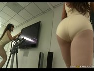Hot Milf Lisa Ann Gets he...