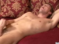 Cute Jock shoots a huge l...