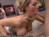 BIG TIT BLOND PORNSTAR MIF JULIA ANN WEARS VIBRATING PANTIES.