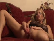 Gorgeous MILF masturbated...