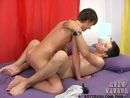 Two twinks go crazy for e...