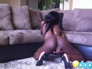 Gorgeous ebony Ana mastur...