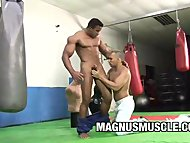 Muscle Dudes In WorkOut G...