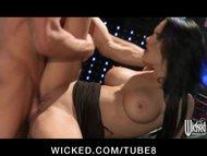 Slutty bigboobed doctor Elektra Blue shows off her flexibility