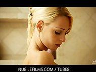 Skinny blonde Erica Fonte...