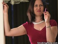 Sexy smoker MILF talks wh...