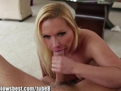 Hot mommy Katia Kassin gives the best BJ