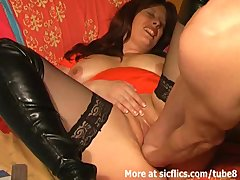 Bbw Brunette Milf video: Colossal dillo fucked and double fisted bitch