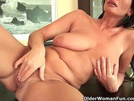 Mature mom with big tits ...