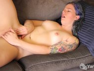Tattooed Jette Rubbing he...