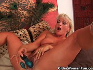 Mature blonde with gorgeo...