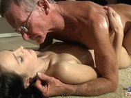 Horny young girl eagers f...