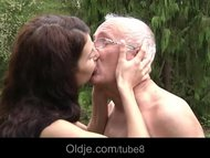 Oldman fucks hussy brunet...