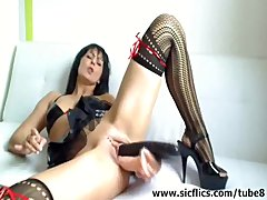 Milf Webcam Fuck video: Triple dildos and huge bottle fucking milf