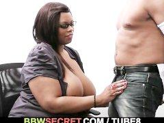 Married boss bangs his fat black secretary