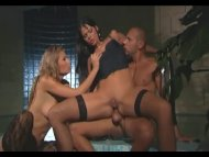 MFF threesome with sexy b...