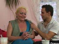 Blonde granny gets her ha...