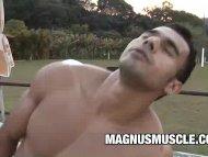 Muscle Dudes Poax Hoffin ...