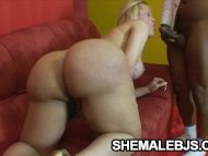 Curvy shemale Bianca Lael...