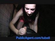 PublicAgent Sara masturba...