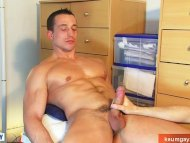 A straight guy get wanked...