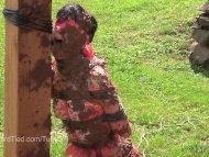 Elise Graves gets Muddy i...