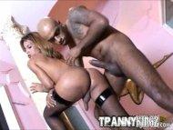 Tranny Sluts Hungry For B...