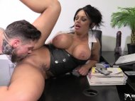 Kerry Louise is peeing wh...