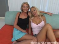 Sexy blonds are having se...